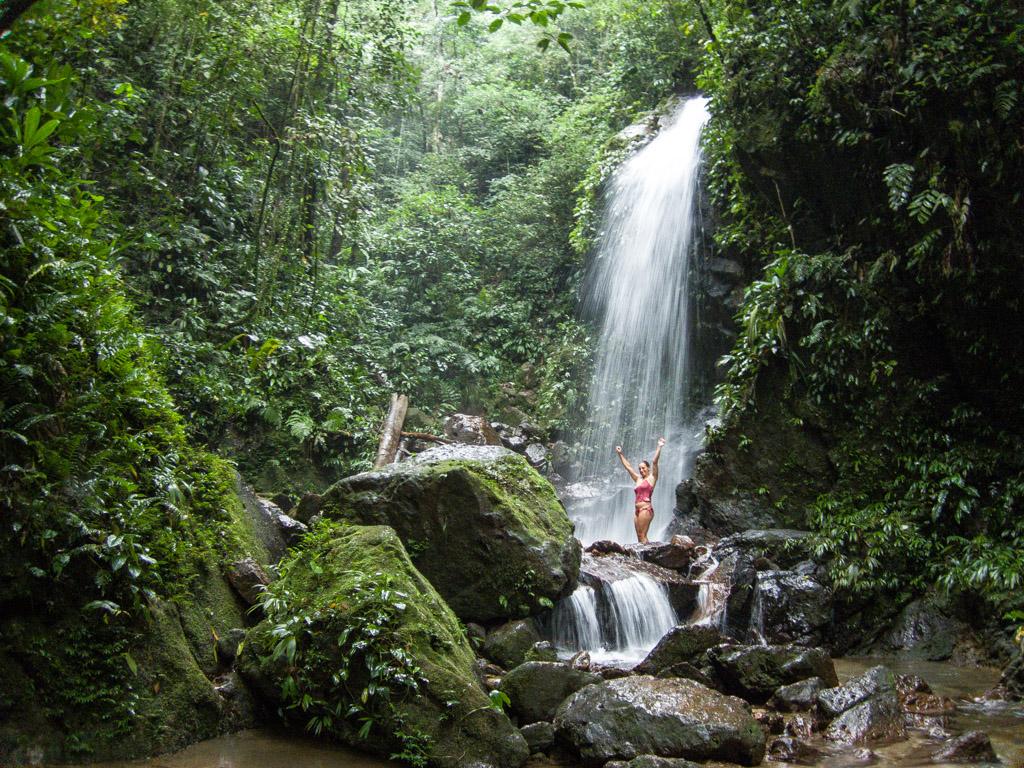 Waterfalls of Honduras: Cascadas, Cataratas y Saltos de Agua